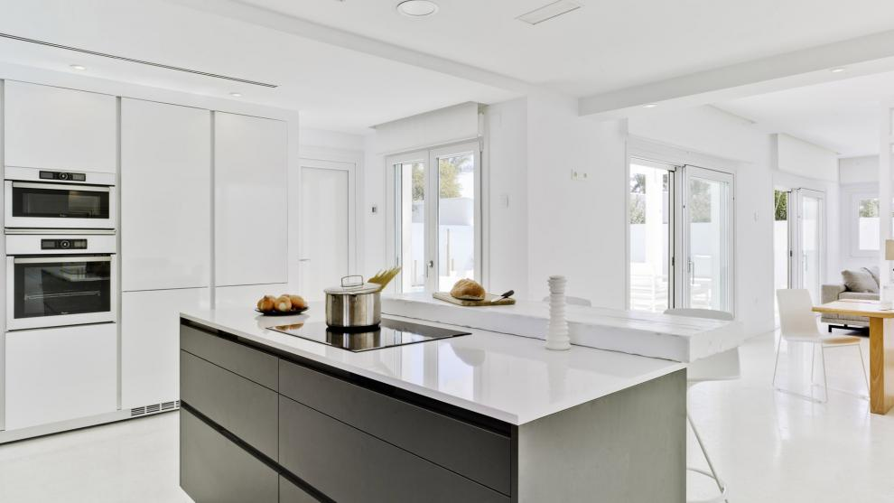 Cocinas santos muebles p rez for Diseno de cocinas abiertas al salon